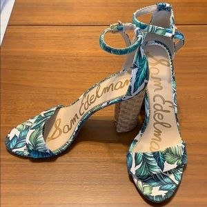 Like New Sam Edelman Yaro Palm Print